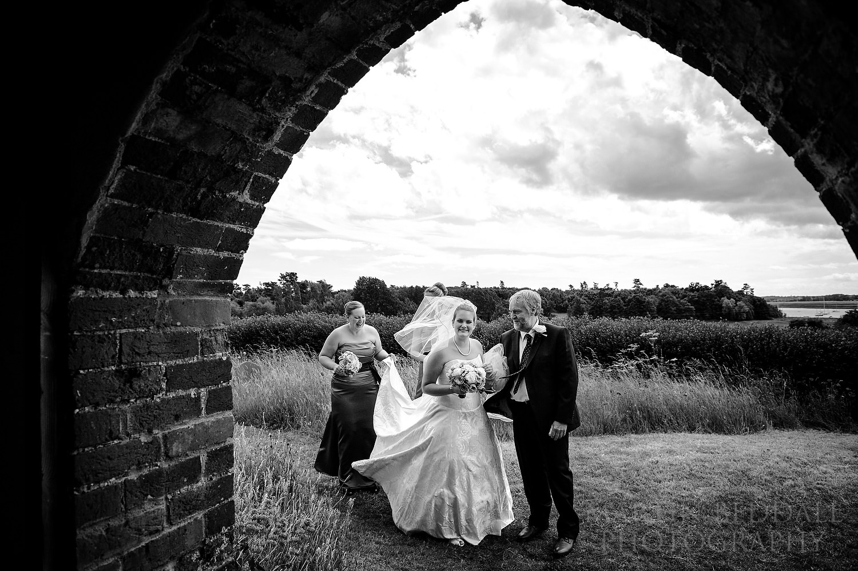 Suffolk wedding at Ramsholt church