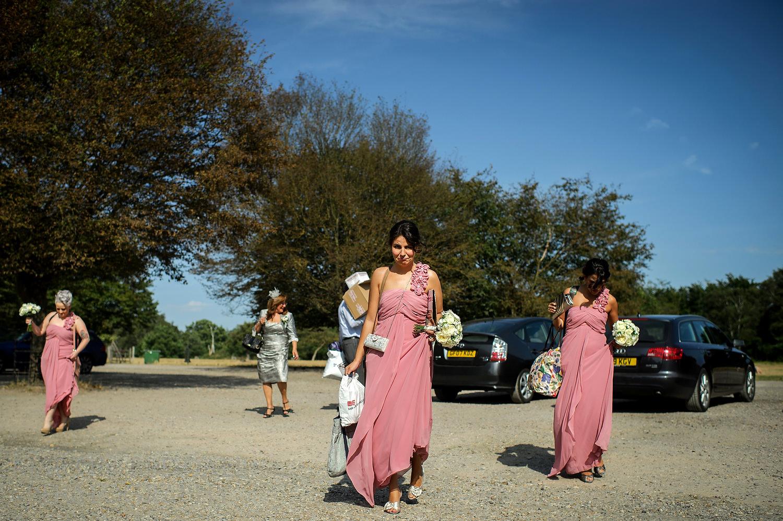 Bridesmaids arrive at Pembroke Lodge