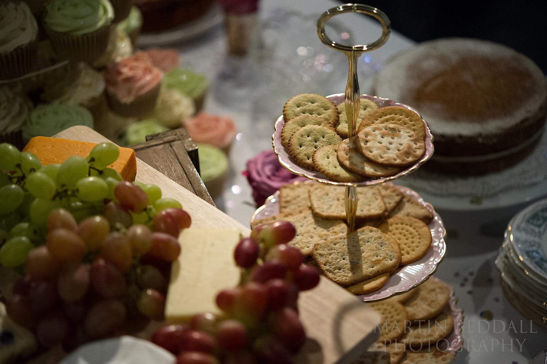 Vintage tea theme to the wedding reception