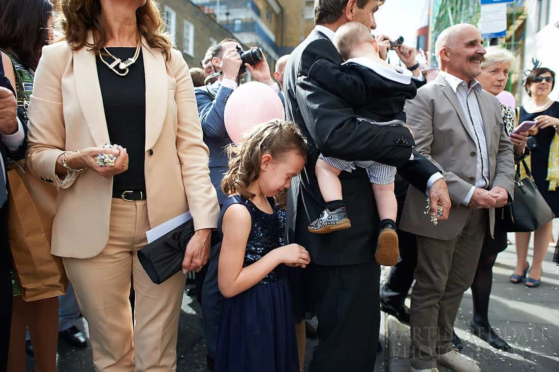 flower girl cries for her lost balloon