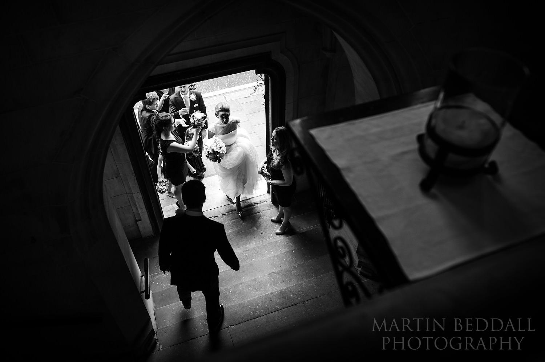 Bride enters Ulrika Eleonora church in London