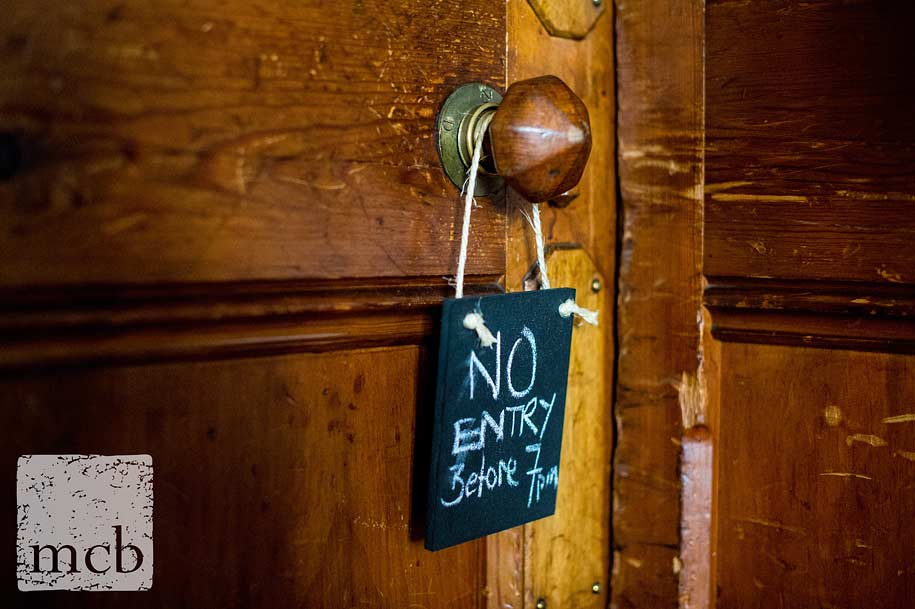 Notice to stop guests seeing the dining room