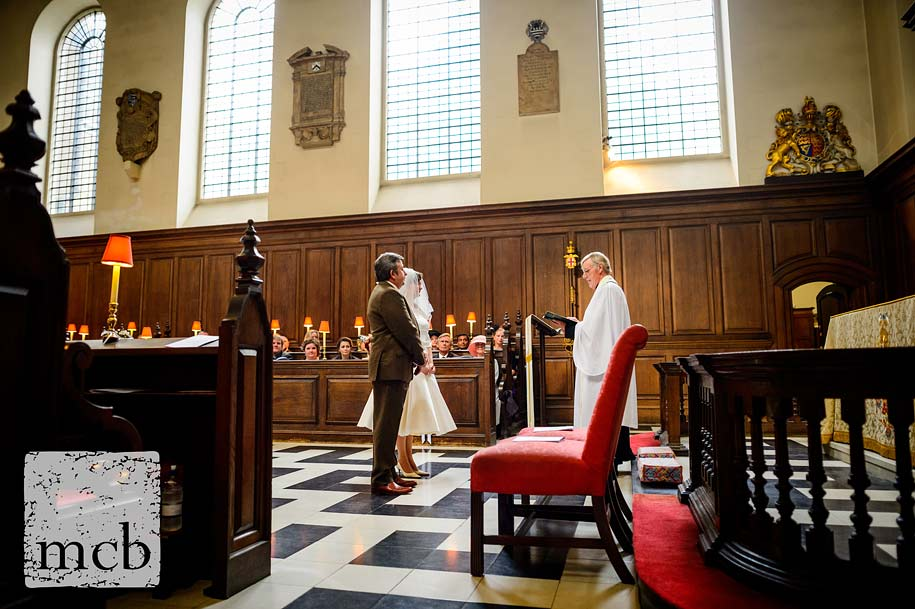 London wedding at St Vedast alias Foster