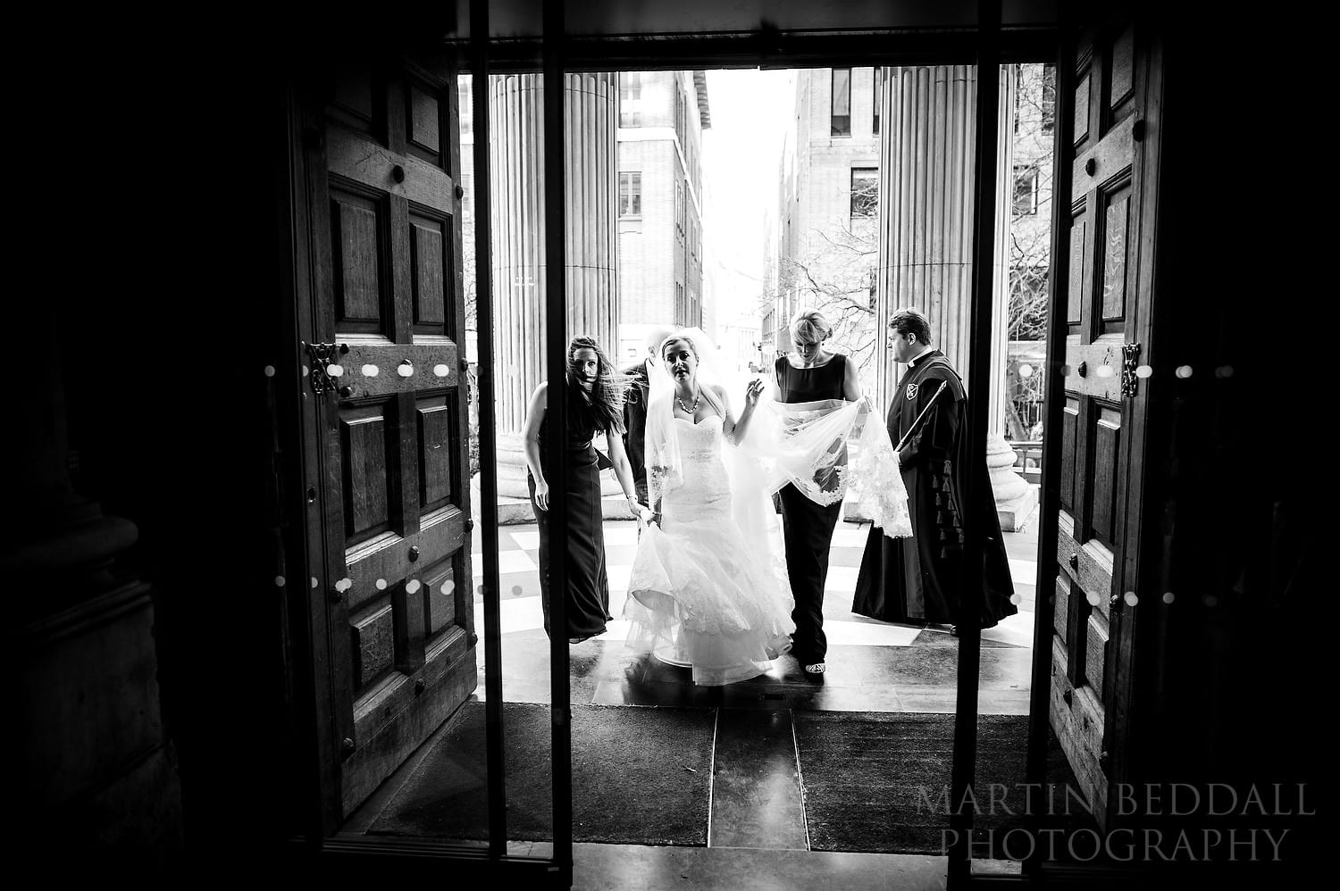 Bride entering St Paul's Cathedral