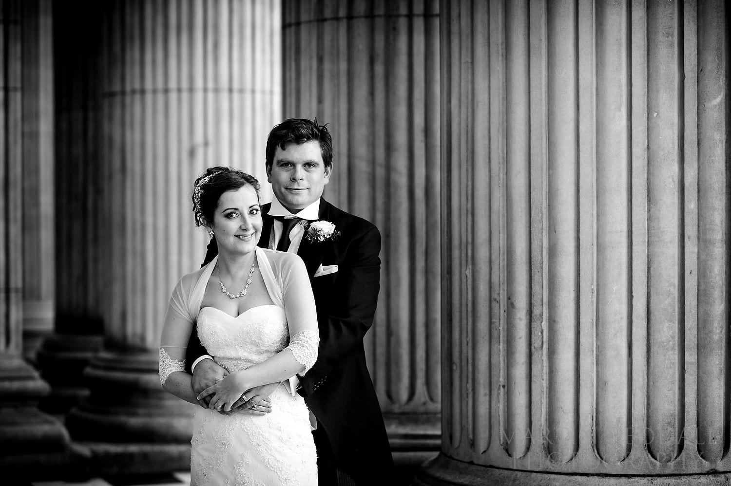 Couple portrait at St Paul's Cathedral