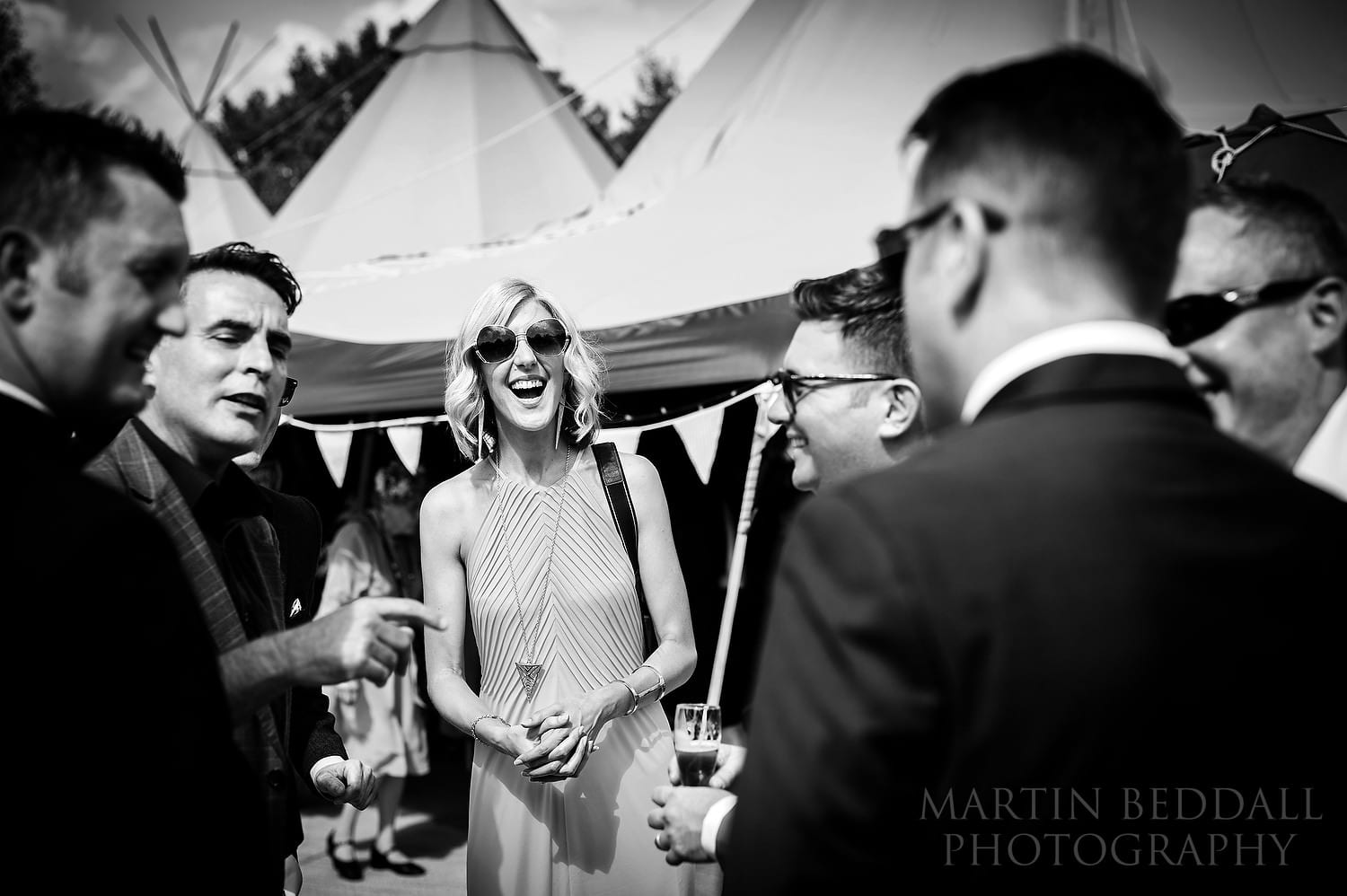 Magician entertains guests at Duncton Mill wedding