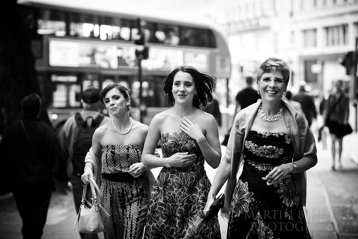 Bride arrives with her mother and sister at One Aldwych