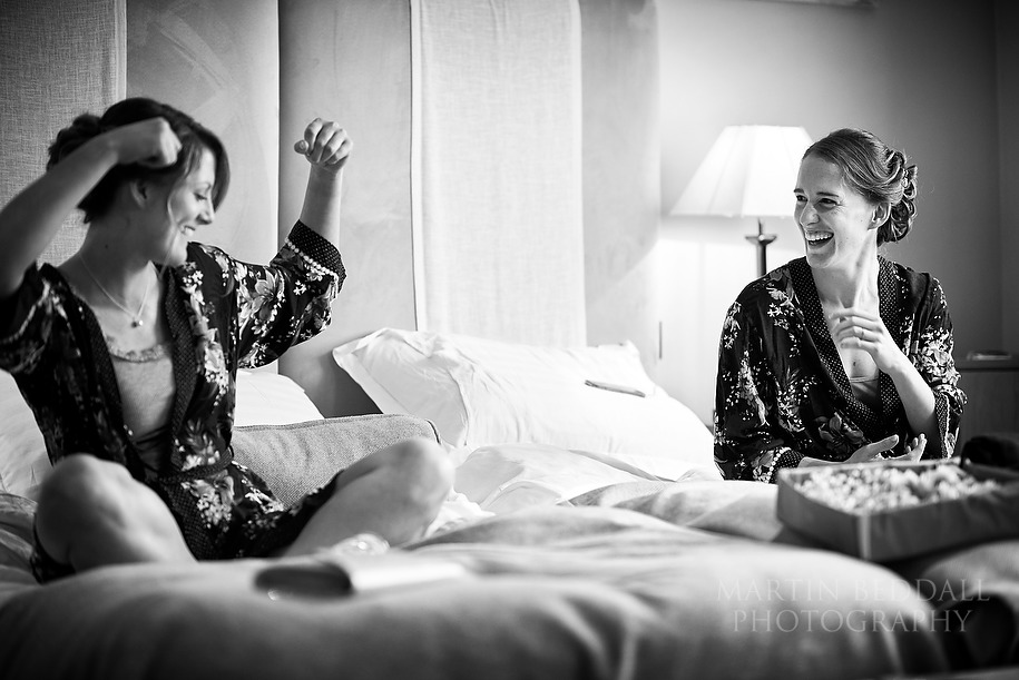 Bridal preps at the Old Bank Hotel in Oxford