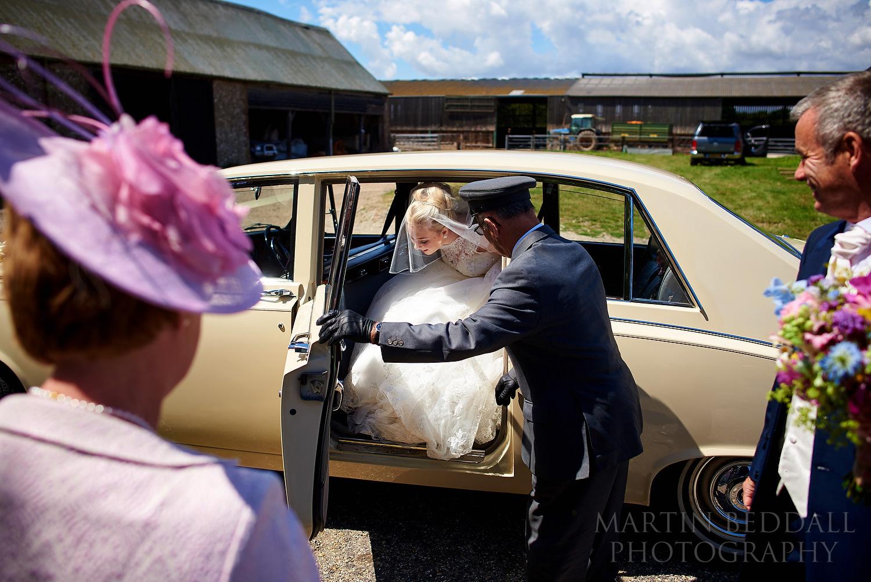 Bride arrives at the chucrh