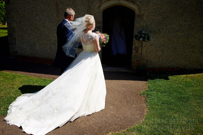 Bride enters the chucrh