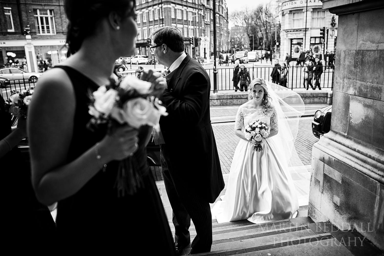 Bride waits to enter Brompton Oratory