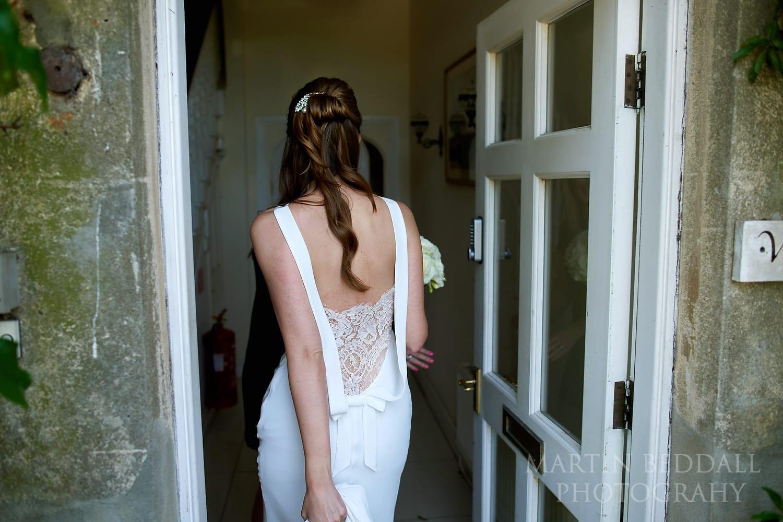 Bride arrives at Northbrook Park