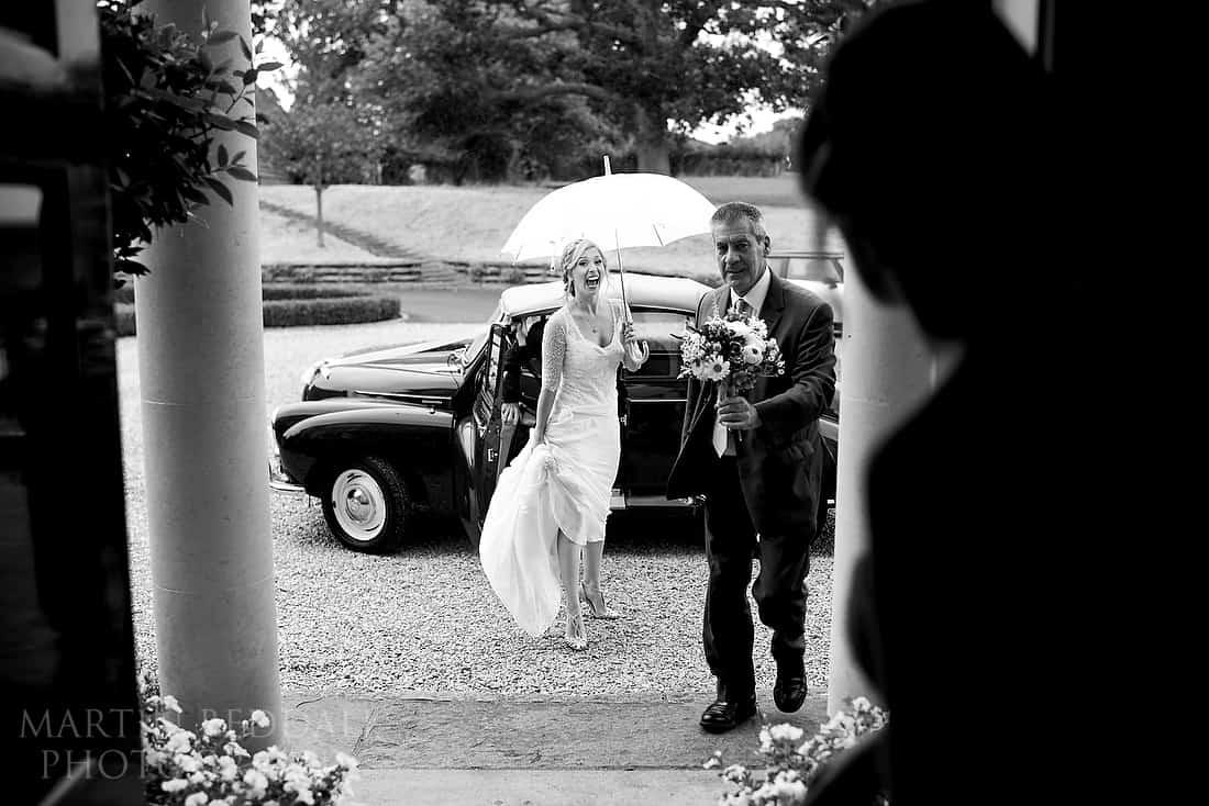 Bride arrives at Goodsoal Oast