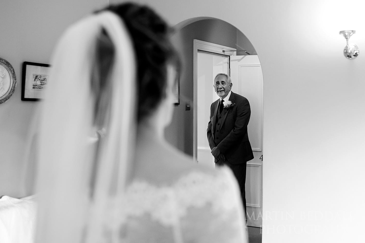 Bride's father gets emotional