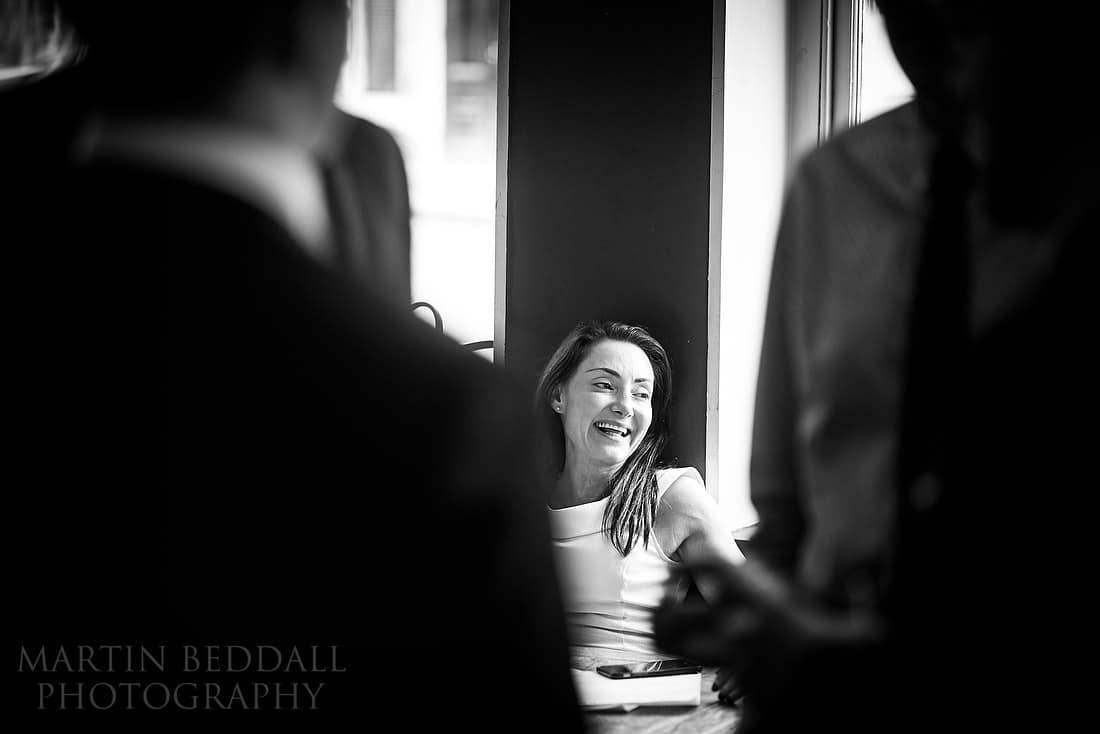 London reportage wedding photography with the Zeiss 100mm ZF.2