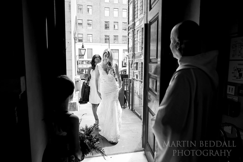 Bride enters the Bloomsbury church