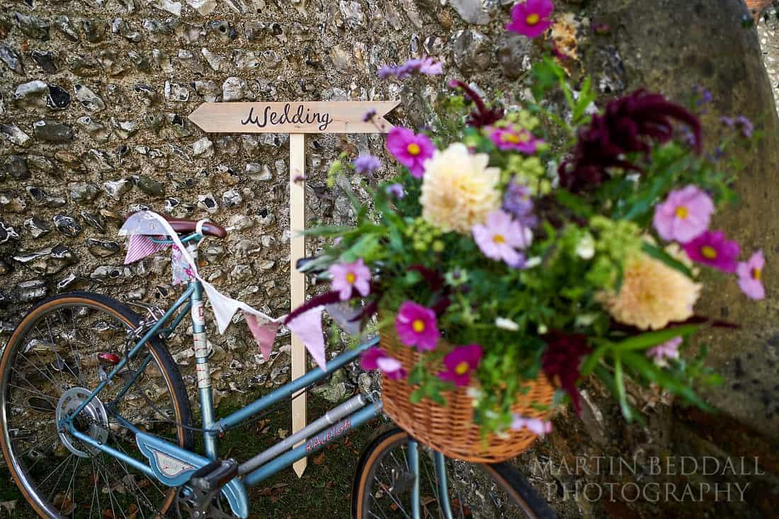 Vinatge bike and flowers