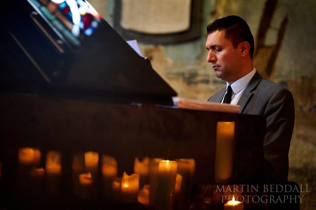 Piano in the asylum