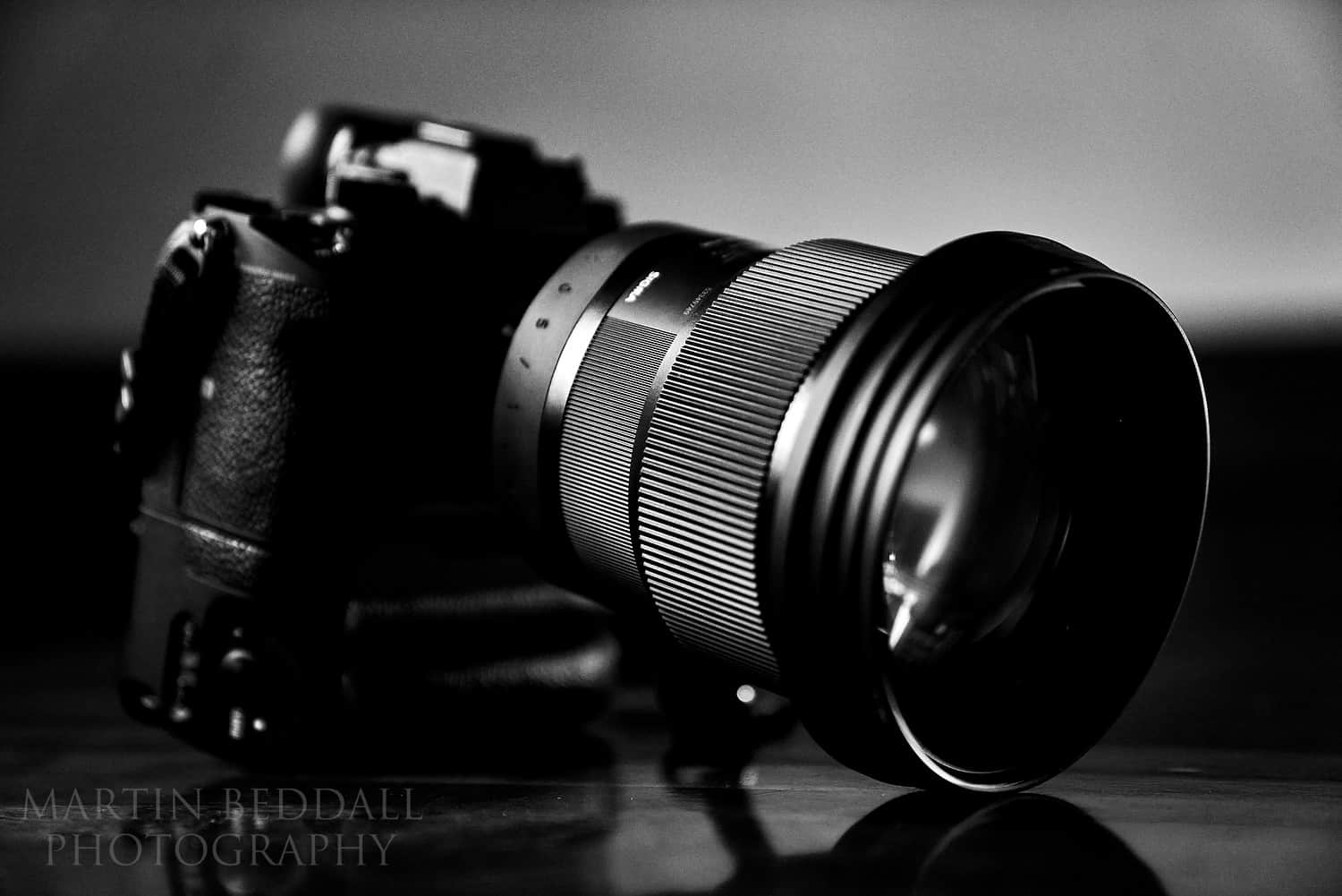 Sigma 105mm f1.4 lens attcahed to a Sony A9 camera