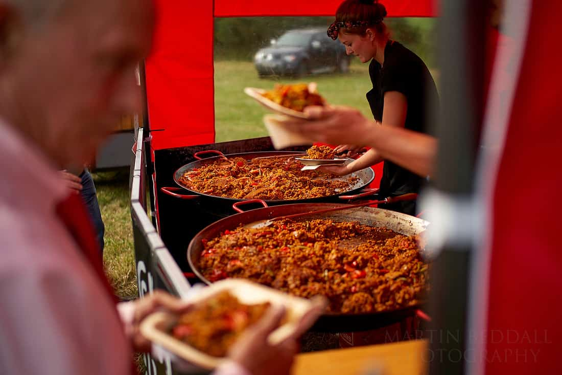 serving the paella