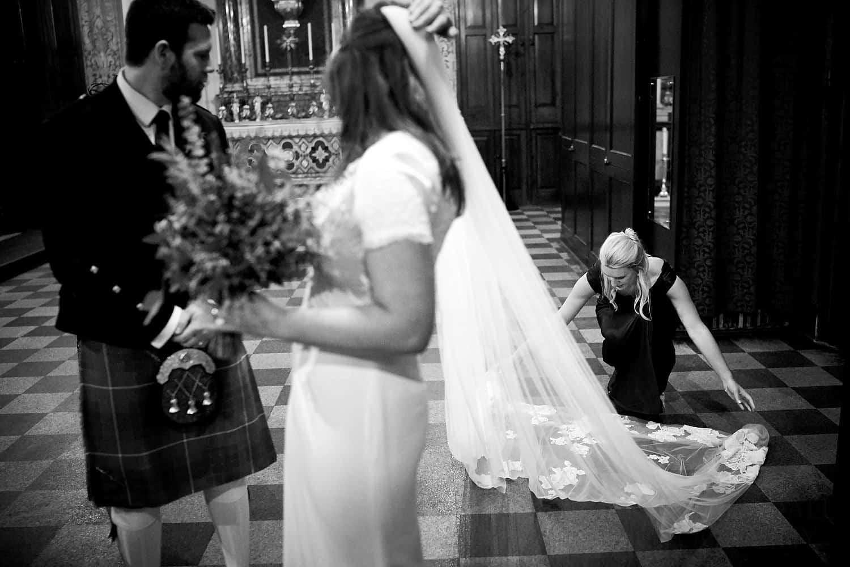 adjusting the long veil
