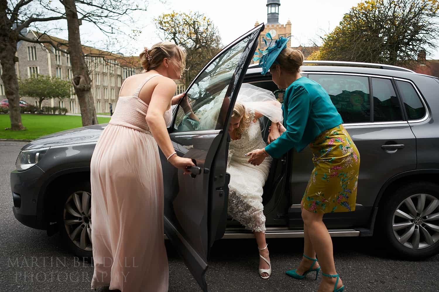 Bride arrives by car at Brighton College